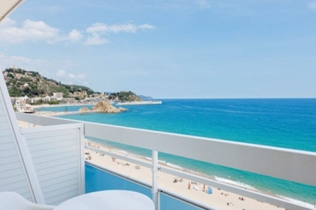 The hotel pimar of blanes is a family hotel located on the beachfront, where you can enjoy the fantastic fireworks of blanes.
